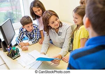 grupo, de, escolares, con, profesor, en, aula