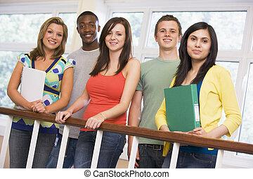 grupo, de, estudantes colégio, ligado, campus