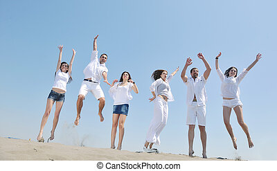 grupo, de, feliz, jovens, em, divirta, em, praia