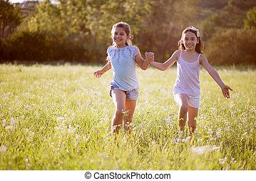 grupo, de, feliz, niños jugar