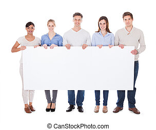 grupo de las personas, con, cartelera