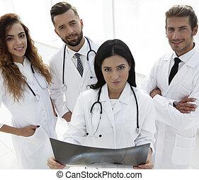 grupo, de, médico, trabalhadores, retrato, em, hospitalar