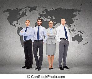 grupo, de, sonriente, hombres de negocios, encima, fondo...