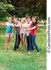 grupo, de, sorrir feliz, adolescente, estudantes