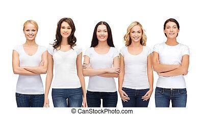 grupo, em branco, sorrindo, camisetas brancas, mulheres