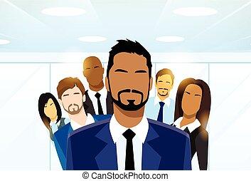 grupo, empresarios, diverso, líder del equipo