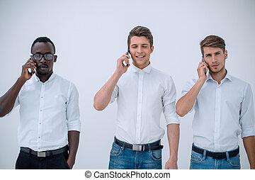 grupo, empresarios, móvil, hablar, teléfono.