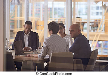 grupo, escritório, pessoas negócio, modernos, dinâmico, multiethinic, diverso