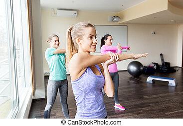 grupo mulheres, trabalhar, em, ginásio