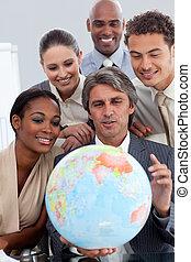 grupo, negócio, global, expansão, diverso, sorrindo