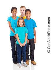 grupo niños, posición, juntos