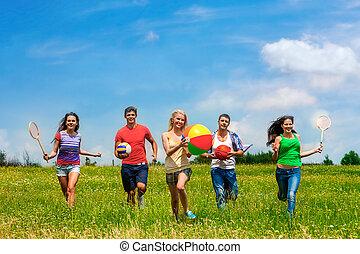 grupo, pessoas, com, crianças, running.