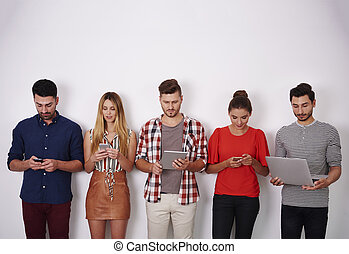 grupo pessoas, contendo mão, um, móvel, dispositivos