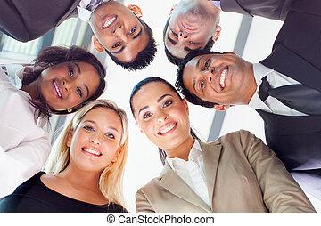 grupo pessoas empresariais, olhando baixo