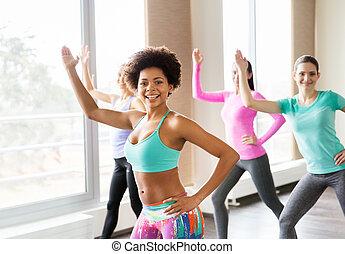 grupo, pessoas, ginásio, dançar, estúdio, sorrindo, ou