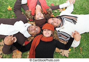grupo, pessoas, jovem, outono, diverso, feliz