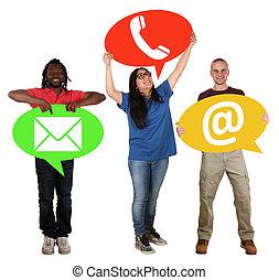 grupo pessoas, segurando, fala, bolhas, comunicação, contato, telefone, correio, ou, e-mail, online