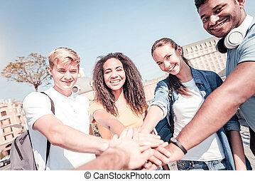 grupo, sucesso, celebrando, seu, companheiros, amigável
