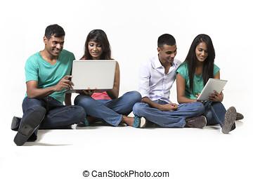 grupo, technology., modernos, indianas, usando, amigos
