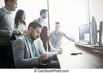 grupp, arbete, affärsfolk, exploatören, mjukvara