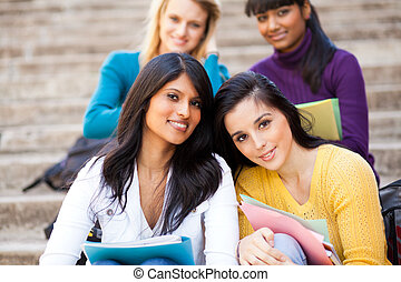 grupp, av, ung, kvinnlig, universitet, vänner