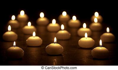 Gruppe, brennender, Kerzen, Fokus, wahlweise, Schwarz, hintergrund