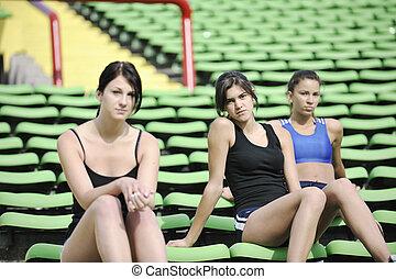 gruppe, entspannen, mädels, stadion, athletik, fußball