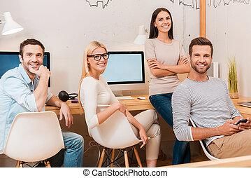 gruppe, firma, siddende, folk, sammen, muntre, tillidsfuld,...