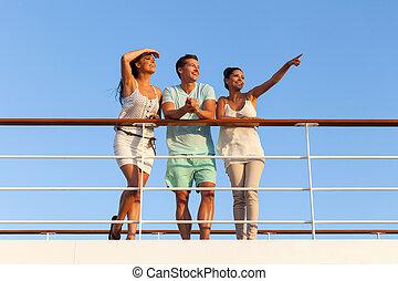gruppe freunde, genießen, sonnenuntergang, auf, segeltörn