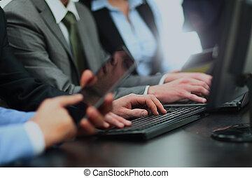 gruppe geschäfts bevölkert, arbeitende , in, büro.