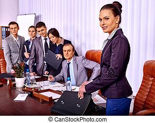 gruppe, geschäftsmenschen, in, büro.