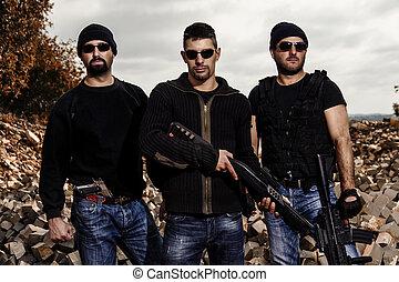gruppe- mitglieder, mit, gewehre