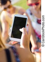 gruppe, telefone, texting, ihr, park., friends, klug