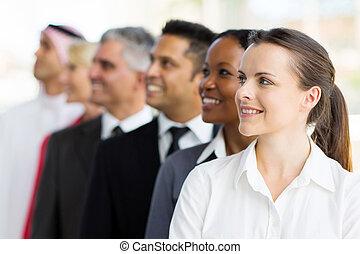 gruppe, von, businesspeople, oben schauen