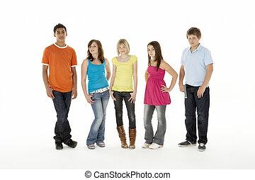 gruppe, von, fünf, junge kinder, in, studio