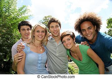 gruppe, von, glücklich, studenten, in, a, park