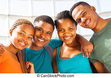 gruppe, von, junger, afrikanischer amerikaner, studenten