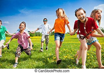 gruppe, von, rennender , kinder