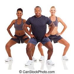 gruppe, von, sportliche , leute, trainieren