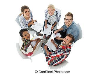 gruppenbild, von, beiläufig, leute, versammlung