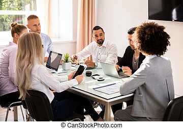 gruppo, businesspeople, ufficio, seduta