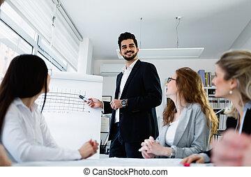 gruppo, di, architetti, lavorando, riunione affari