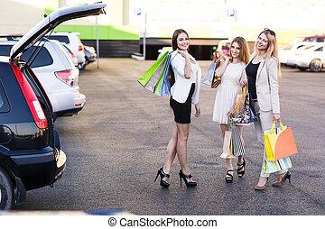 gruppo, di, ragazze, secondo, shopping