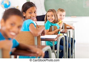 gruppo, di, scuola elementare, studenti