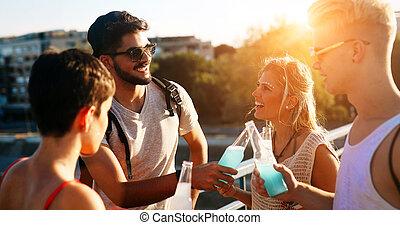 gruppo, energetico, persone, giovane, divertimento, detenere