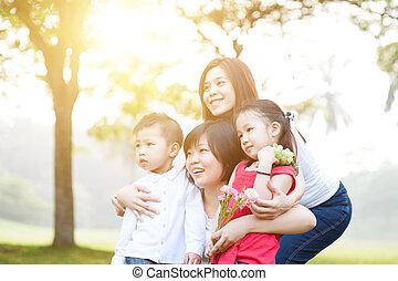 gruppo, famiglia asiatica