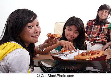 gruppo, mangiare insieme, pizza