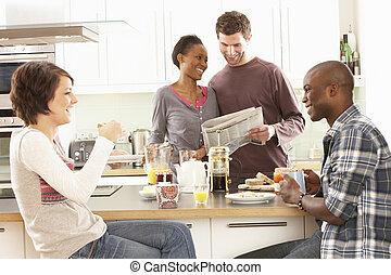 gruppo, moderno, giovane, preparazione colazione, amici, cucina