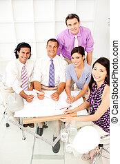 gruppo multi-etnico, riunione, architetti