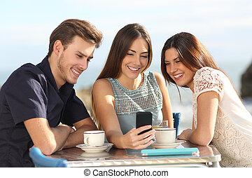 gruppo, osservare, media, telefono, sociale, amici, far male